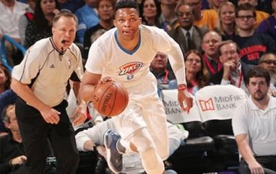 НБА: Хьюстон вытеснил Юту из зоны плей-офф, победы Оклахомы и Кливленда
