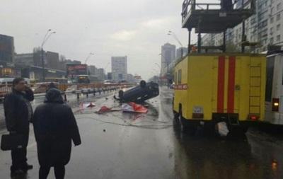 В Киеве из-за ДТП заблокирован проспект Победы