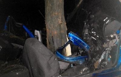 У ДТП під Києвом загинула молода сім я