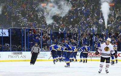 НХЛ: Первые победы в плей-офф Тампы и Питтсбурга, поражение Чикаго в овертайме
