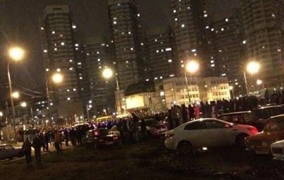В Москве уличных гонщиков разгоняли водометами