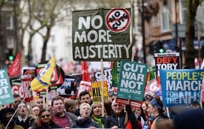 Тысячи британцев митинговали за отставку Кэмерона