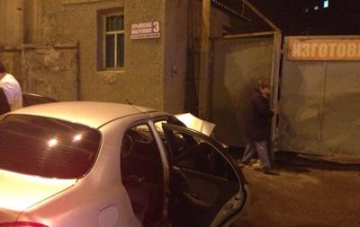В Харькове авто влетело в дом: есть пострадавшие