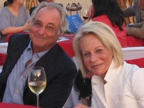 Расходы жены самого известного финансового афериста Мэдоффа ограничат 100 долларами