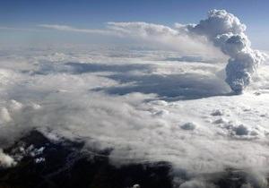Эксперт: Опасное для авиаперелетов извержение вулкана продлится не более недели