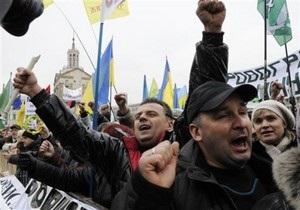 Глава АП: Янукович рассмотрит требования предпринимателей