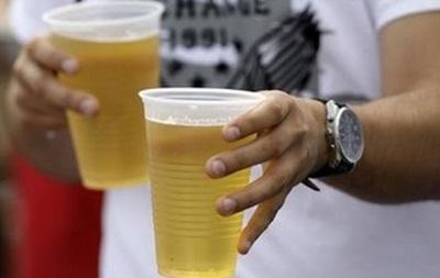 В Киеве будут штрафовать за пиво на улице