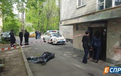 В Киеве с девятого этажа выпал известный политолог