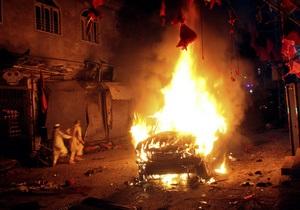 Взрыв на предвыборном митинге в Пакистане унес жизни 15 человек