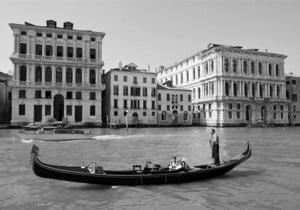 Фонд Prada проведет выставку в рамках Венецианской биеннале