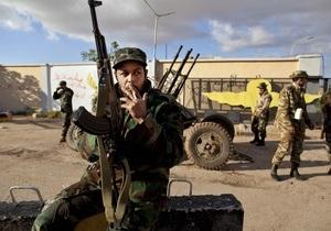 Сторонники Каддафи не смогли отбить у повстанцев город рядом с Триполи