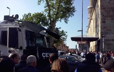 В Турции взорвали мечеть, есть жертвы