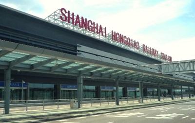 Два человека погибли при пожаре в аэропорту Шанхая