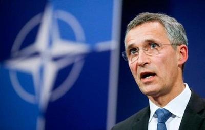 Столтенберг: НАТО должна отвечать России силой и сдерживанием