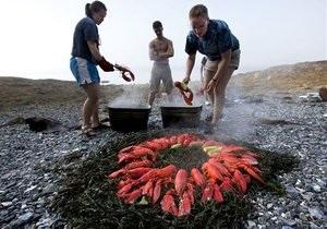 Новости США - омары: В США посетителям ресторана запретили играть с омарами