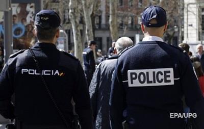 Суд в Испании выдал ордер на арест 12 россиян