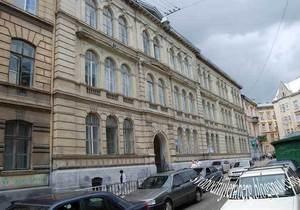 Русские организации Львова попросили Табачника предотвратить закрытие русскоязычной школы