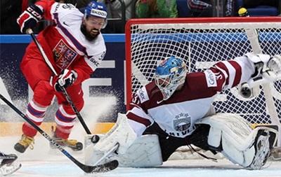 Чехия лишь в серии буллитов обыграла Латвию на чемпионате мира по хоккею