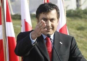 Саакашвили поблагодарил США за помощь в перевооружении Грузии