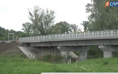 В Донецкой области открыли мост после ремонта