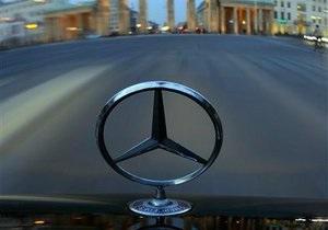 За полгода Mercedes продал рекордное количество авто, но обогнать BMW и Audi не смог