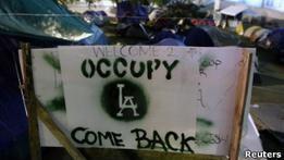 Демонстрантам в Лос-Анджелесе сказали паковать палатки
