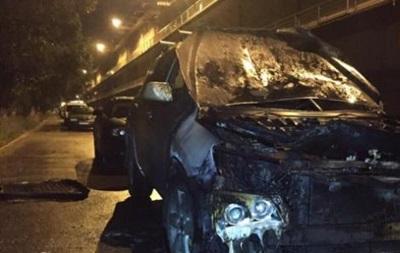Ночью в Киеве сгорел автомобиль
