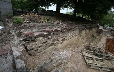 В Киеве  раскопали  дворец князя Владимира