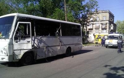 ДТП с военными в Мариуполе: 12 пострадавших