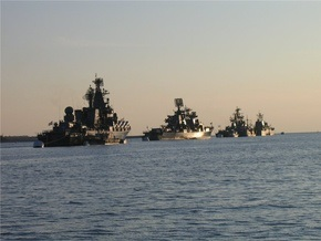 В Крыму начали стрелять корабли Черноморского флота РФ