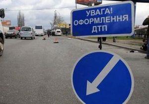 В Черниговской области грузовик столкнулся с микроавтобусом, погибло семь человек