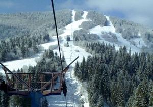 Шестеро лыжников получили травмы на горе Тростян