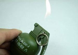 В польском аэропорту подняли тревогу из-за гранаты-зажигалки