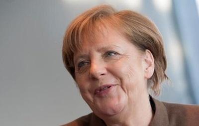 Меркель не видит оснований для снятия санкций с РФ