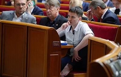 Савченко босоніж в Раді: реакція інтернету