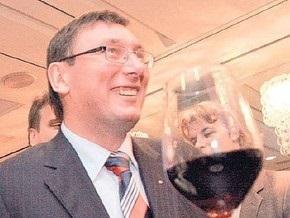 Луценко подаст в суд на Шуфрича и Джигу за комментирование инцидента во Франкфурте