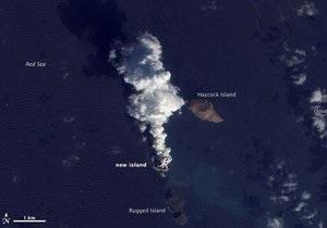 Спутник NASA сфотографировал рождение острова в Красном море