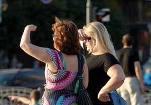 Мэрия отрицает слухи о смене графика работы киевских фирм из-за жары