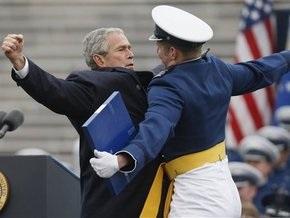 Буш разработал для Обамы план действия на случай возникновения крупных кризисов