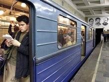 В Москве пьяный пытался уснуть на рельсах метро
