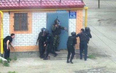 В Актобе проводится спецоперация по задержанию террористов