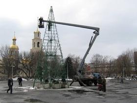 В Украине убрали последнюю новогоднюю елку