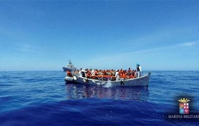 Біля берегів Італії за добу врятували понад 1300 мігрантів