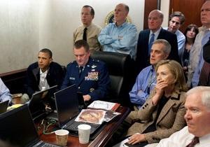Клинтон объяснила, почему прикрыла рот рукой, когда следила за операцией по ликвидации бин Ладена