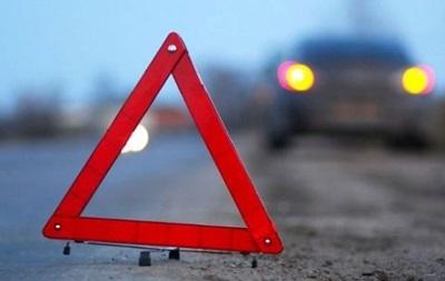 В Херсоне автомобиль сбил семью на пешеходном переходе