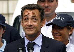 Суд постановил выплатить Саркози один евро компенсации за взломанный банковский счет
