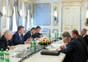 Янукович предлагает сделать регулярными встречи с парламентскими фракциями