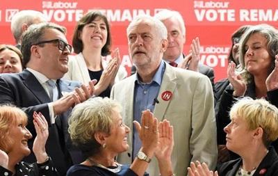 Brexit: Десять британских  теневых  министров уходят в отставку