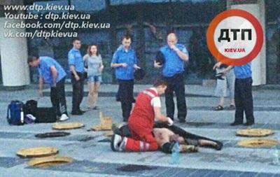 ЧП в Киеве: двое рабочих задохнулись в канализации