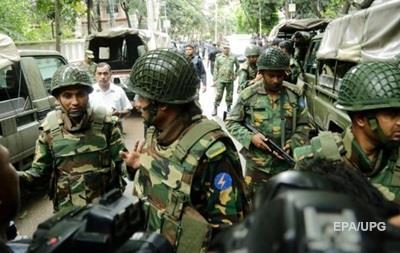 Нападение на кафе в Бангладеш: 20 заложников убиты